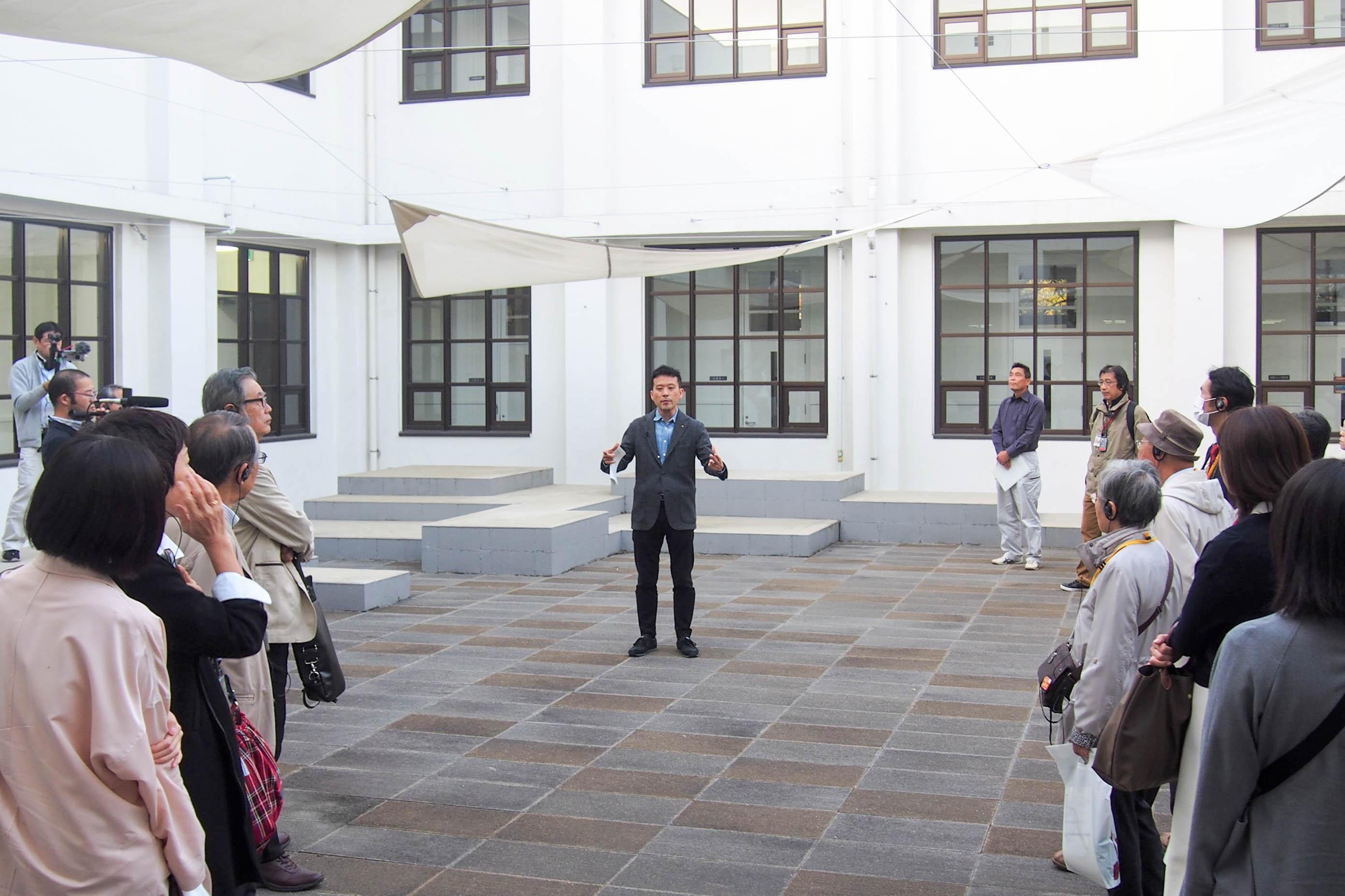 大阪市立大学の建築を見る
